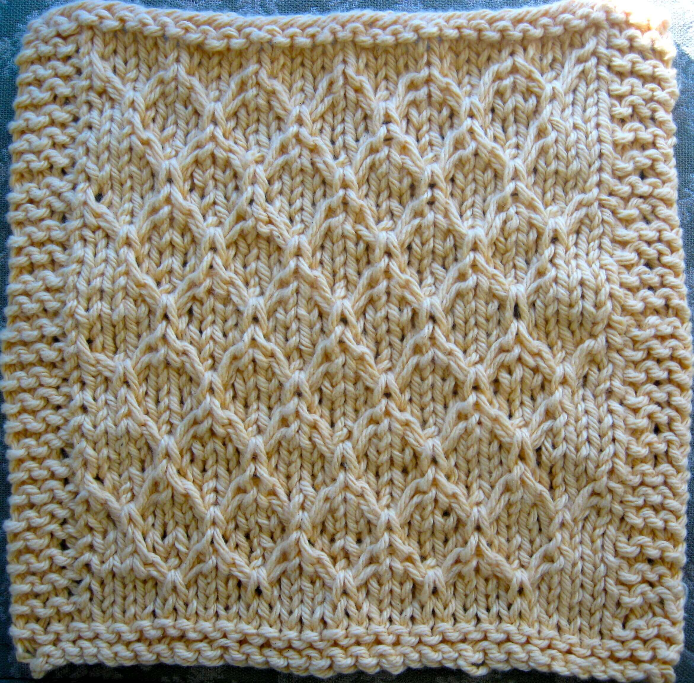 Knitted Honeycomb Dishcloth #1 | Little House in the Suburbs