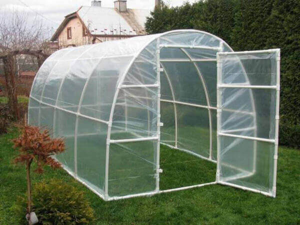 hoop-greenhouse-using-PVC